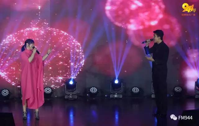 克里斯丁·巴烏蒂斯塔&陳曦,情歌對唱《因為愛情》