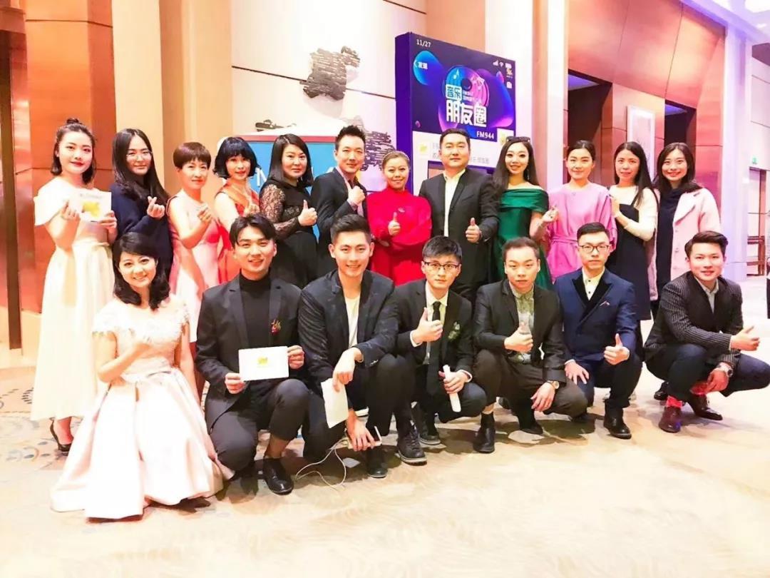 转发潮流、快乐点赞。郑州音乐广播调整节目编排,为年轻人提供更时尚的听觉享受。